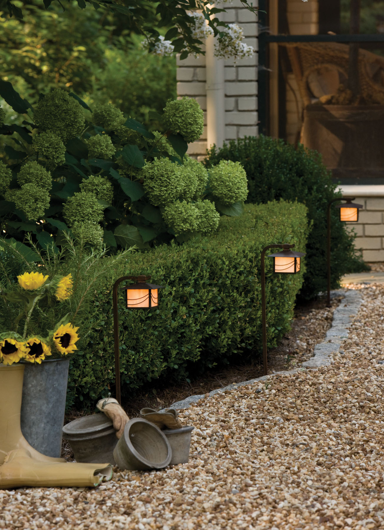 The Magic Of Outdoor And Landscape Lighting Ad Cola Lighting